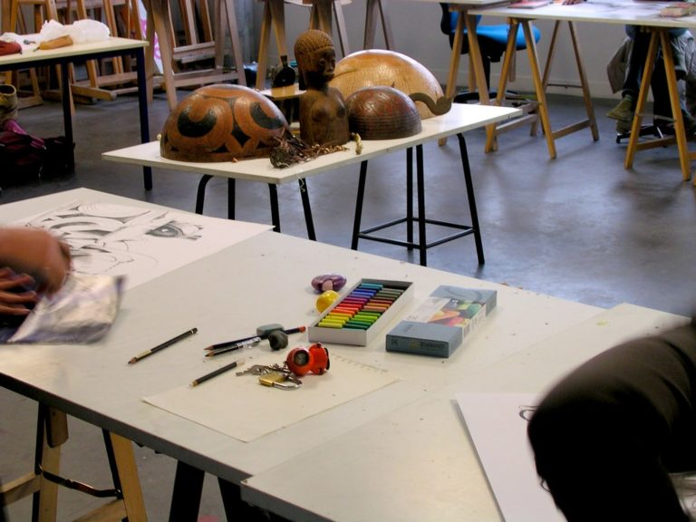 Un cours de dessin
